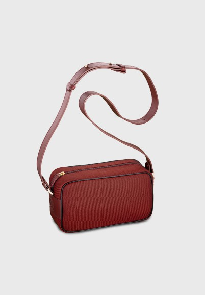 sustainable-shoulder-bag-woman